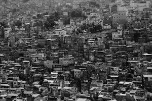 הבנק העולמי אומר כי עד 150 מיליון עשויים להגיע לעוני קיצוני